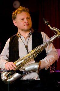 Музыкант Олег Киреев (Oleg Kirejev Music Band)