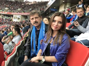 Ольга Паршина на футбольном стадионе