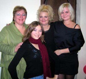 Яна Лысенко с Татьяной Назаровой, Татьяной Левкевич