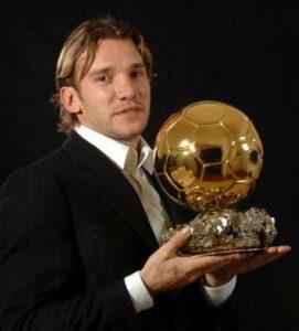 Андрей Шевченко - Лучший игрок мира 2004, Золотой мяч.