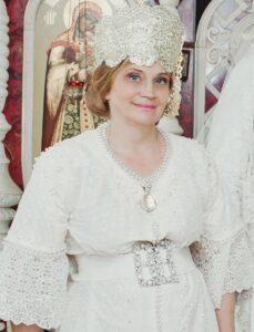 Валентина Аверьянова, русский костюм